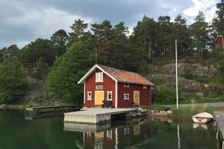 58 Grad Nord - Ohne eigenem Boot in die schwedischen Schären - Bootsanleger in Sanden (Sankt Anna)