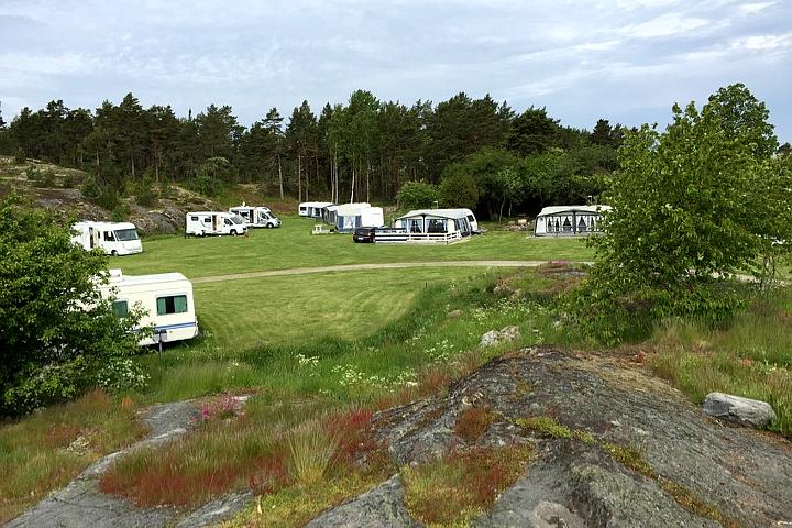 58 Grad Nord - Ohne eigenem Boot in die schwedischen Schären - Camping Tyrislöt