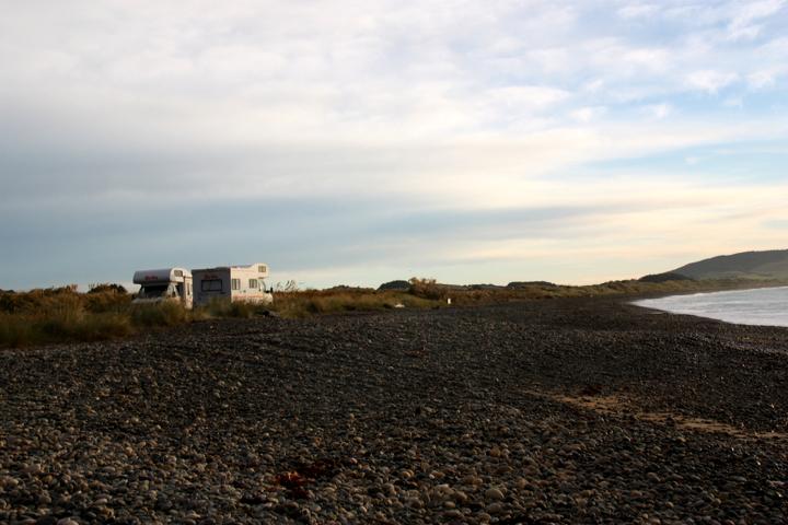 58GradNord - Elternzeit in Neuseeland - Camper am Strand