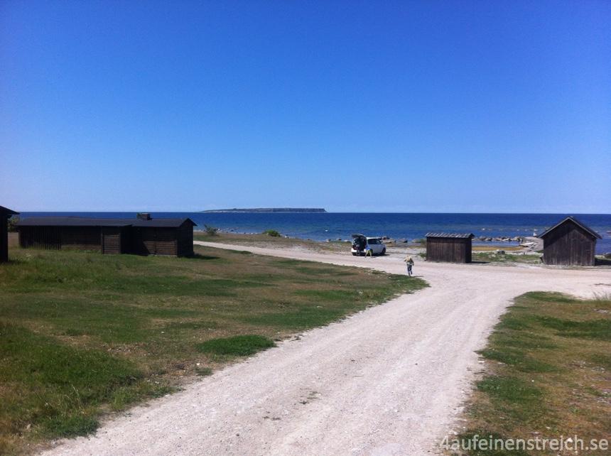 Fiskeläger mit Stora Karlsö am Horizont
