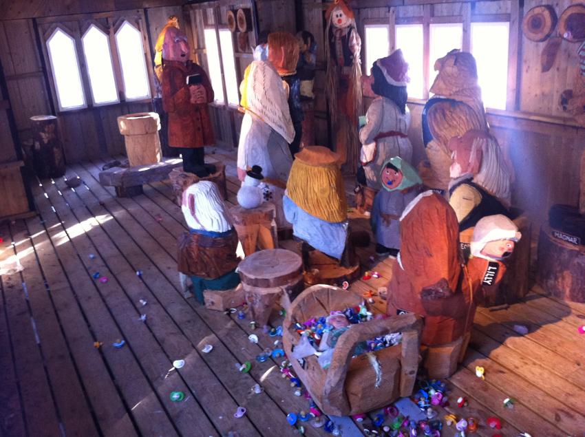 """Die Trollkirche mit all ihren Schnullern für das kleine Baby """"Kottan""""!!!"""