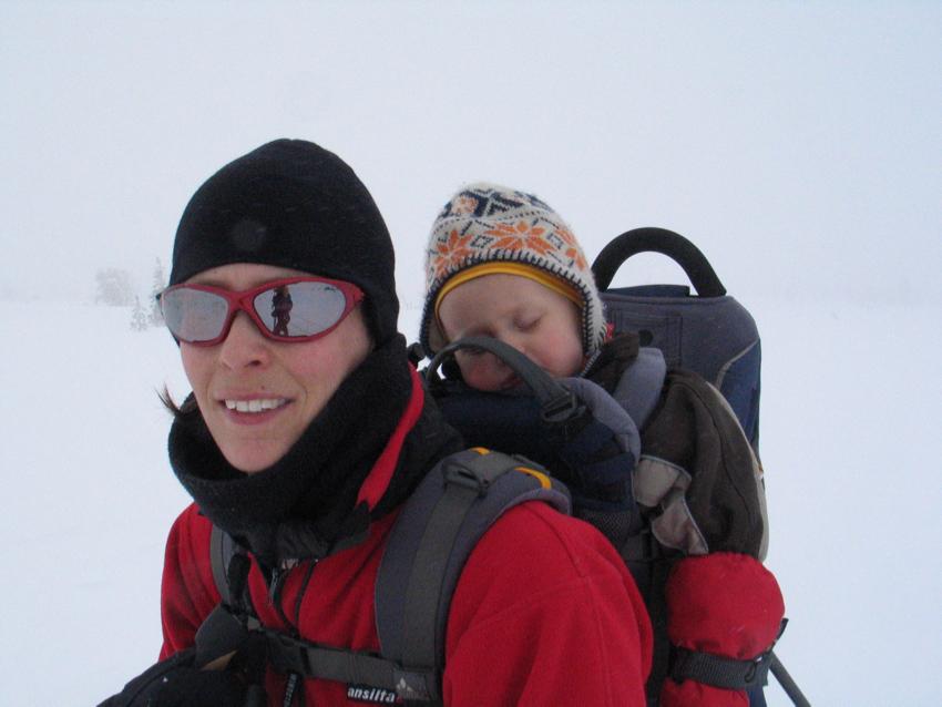 Skifahren in Schweden Sälen - Kinderkraxe