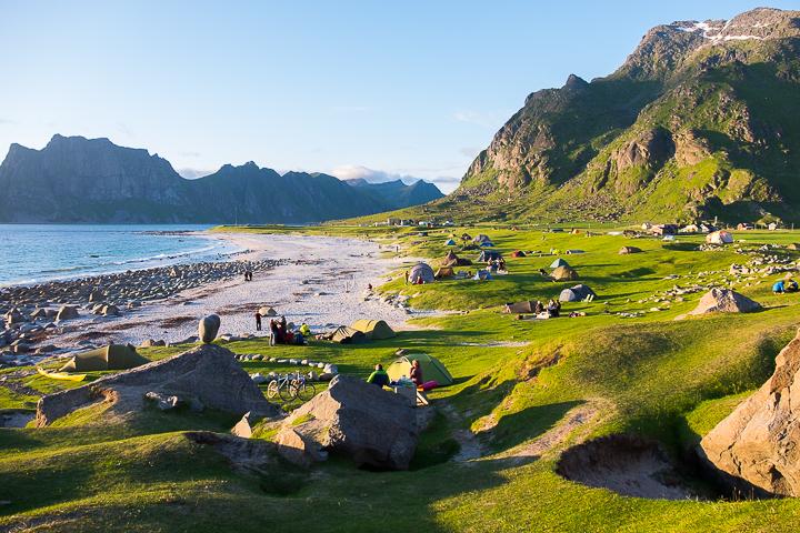 Norwegen mit Kindern - Lofoten Roadtrip - Uttakleiv Camping