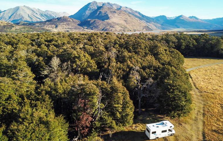 58 Grad Nord - Neuseeland im Herbst - DOC campsite Haddon Shelter