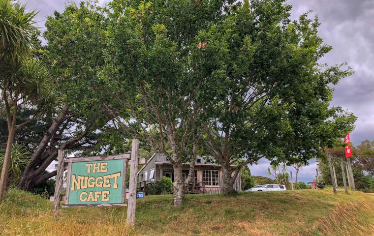 58 Grad Nord - Neuseeland - Golden & Tasman Bay - Abel Tasman Coast Track - Nugget Café