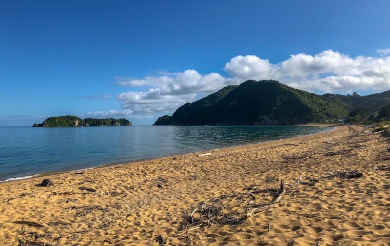 rad Nord - Neuseeland - Golden & Tasman Bay - Tata Beach