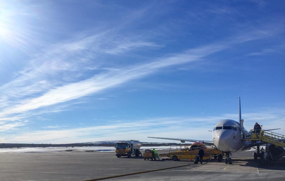 58 Grad Nord -Skiwandern mit Kindern in Lappland - Anreise Flugzeug