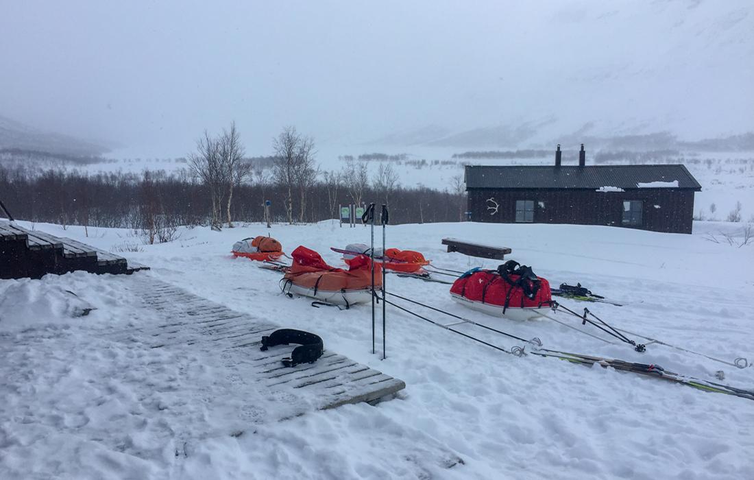 58 Grad Nord -Skiwandern mit Kindern in Lappland - Pulkas