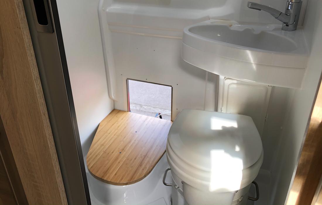 58GradNord - Trockentrenntoilette - Bodenplatte am Platz